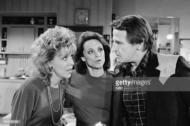 VALERIE The Return of Uncle Skip Episode 222 Pictured Arlene Golonka as Darlene Franklin Valerie Harper as Valerie Hogan Gerald Gordon as Skip...