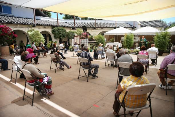 CA: Oldest Catholic Church In Los Angeles Celebrates Mass Outdoors Due To Covid-19 Restrictions