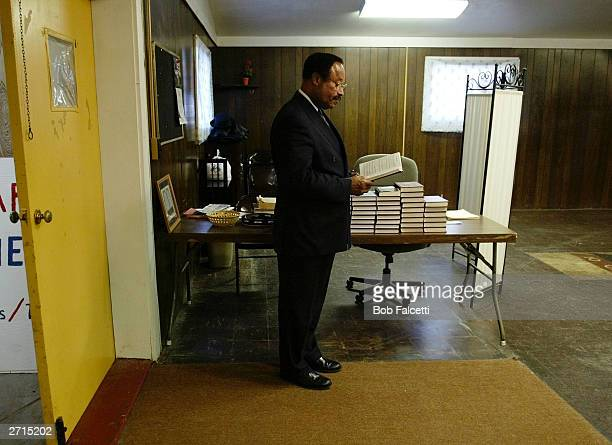The Rev Walter Oliver pastor of The Bible Speaks Ministries waits to begin his service November 9 2003 in Beacon Falls Connecticut Oliver is on trial...