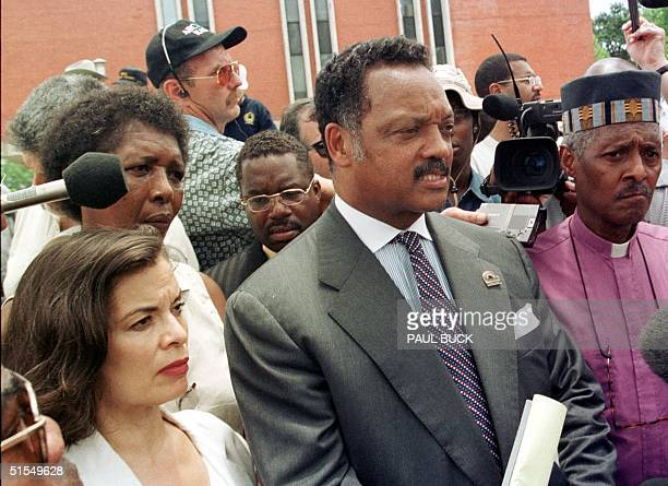 The Reverend Jesse Jackson speaks to media prior to the announcement that convicted killer Gary Graham would not receive a stay of execution at the...