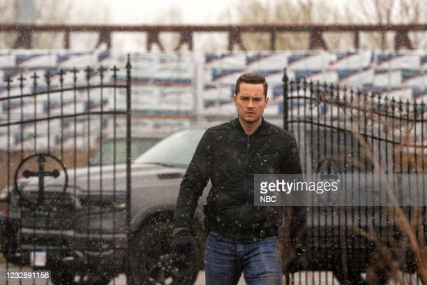 """The Right Thing"""" Episode 815 -- Pictured: Jesse Lee Soffer as Jay Halstead --"""