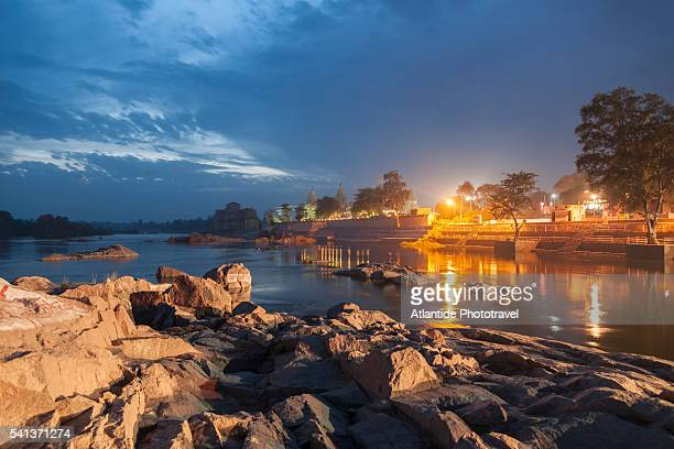 the river at night - madhya pradesh stock pictures, royalty-free photos & images