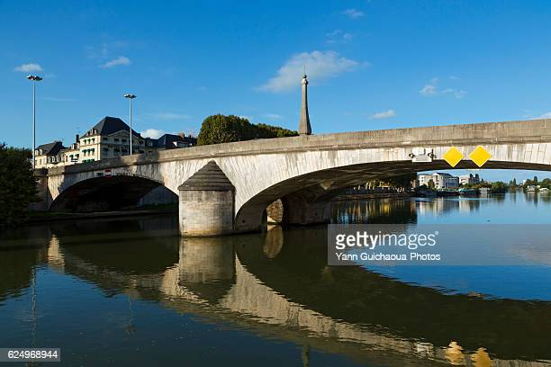 the river oise, compiegne, picardy, france - oise stock photos and pictures