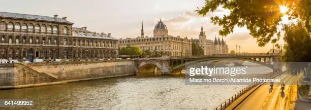 The river Seine, the Pont (bridge) Notre Dame and the Ile de la Cite with the Conciergerie palace