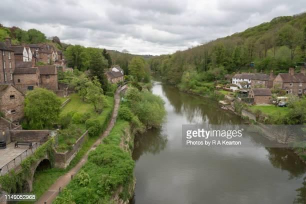the river severn at ironbridge, shropshire, england - ironbridge shropshire stock pictures, royalty-free photos & images
