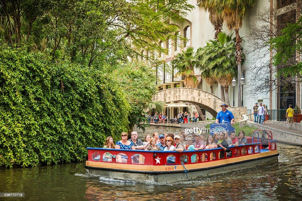 O riverwalk, San Antonio park Passarela scenic passeio de barco pelo canal : Foto de stock