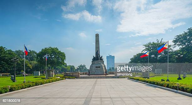 the rizal monument in rizal park - manila philippines stock pictures, royalty-free photos & images
