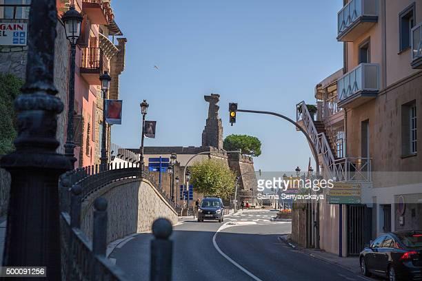 the road leading to juan sebastian elcano's monument - juan sebastian elcano stock photos and pictures