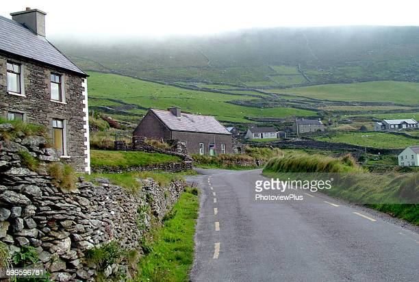 the road through the dingle peninsula - ring of kerry stock photos and pictures