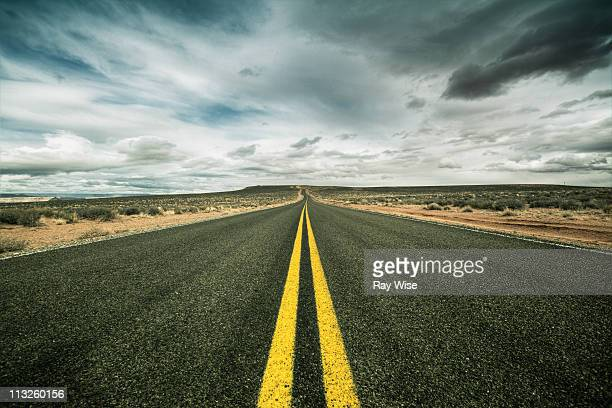 the road to nowhere - dividing line road marking stock pictures, royalty-free photos & images