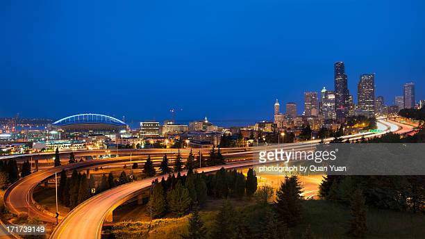 the road to seattle - yuan quan stock pictures, royalty-free photos & images