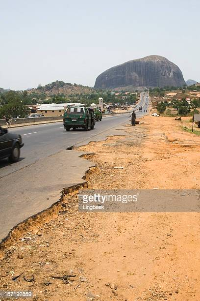 the road to zuma rock - abuja stock pictures, royalty-free photos & images
