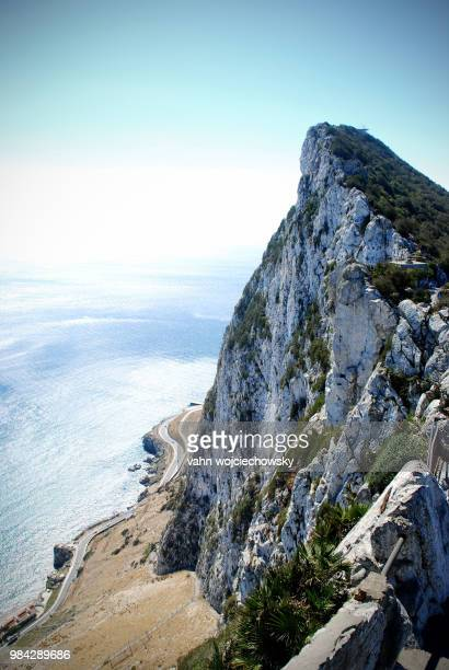 the rock of gibraltar, uk. - vahn stock pictures, royalty-free photos & images