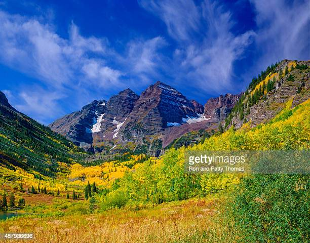 the rocky mountains maroon bells with autumn aspen trees,co - maroon bells stock photos and pictures