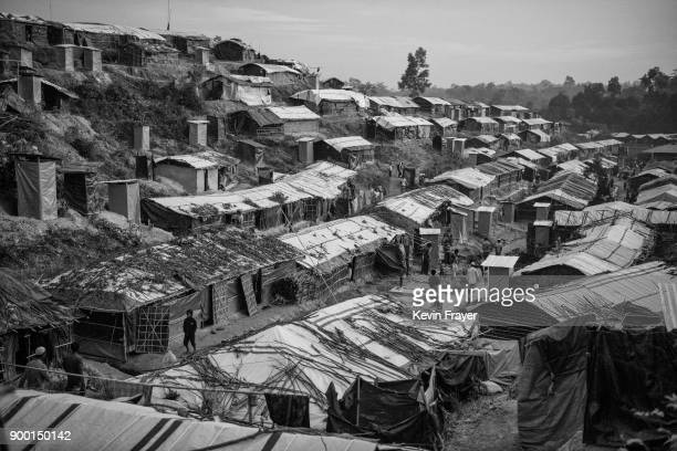 COX'S BAZAR BANGLADESH OCTOBER 30 The Rohingya refugee camp Balukhali is seen on October 30 2017 near Cox's Bazar Bangladesh More than 600000...