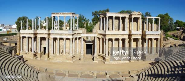 the roman theatre of mérida, mérida, extremadura, spain. - 円形劇場 ストックフォトと画像