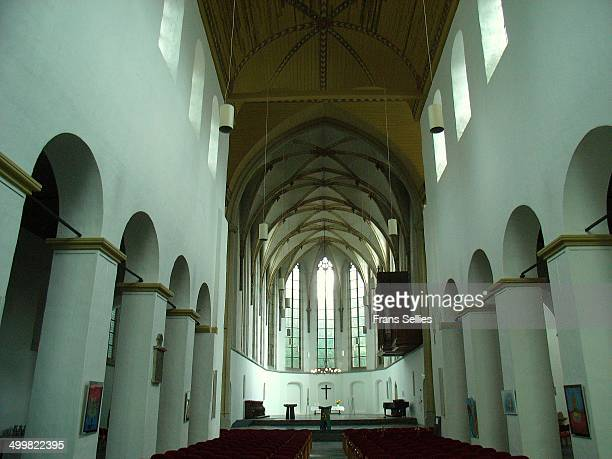 The Romanesque nave and the gothic choir