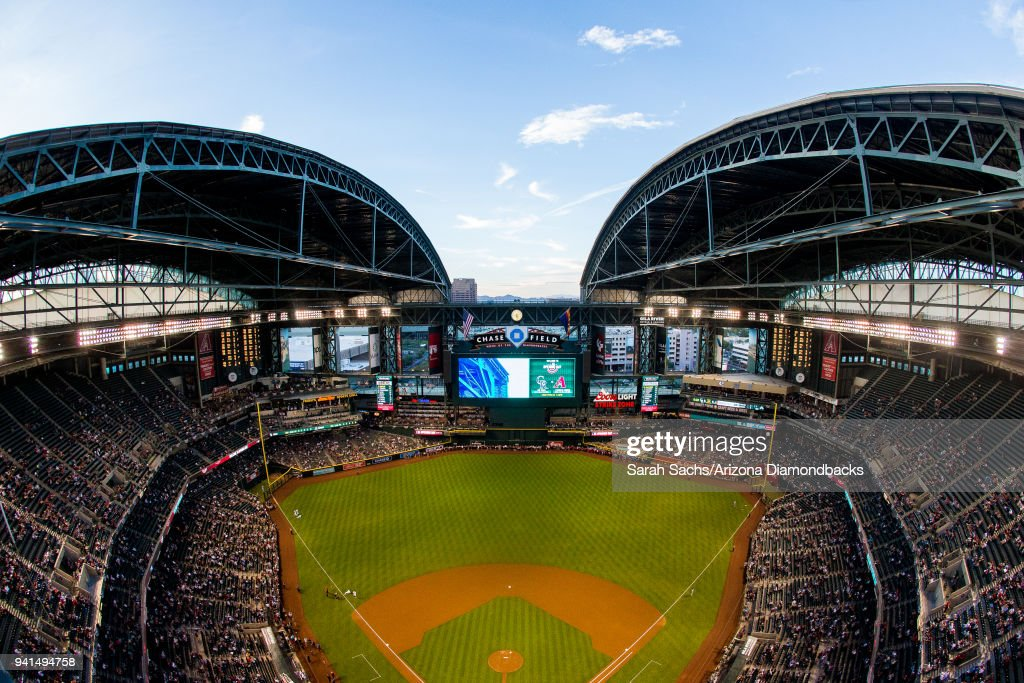 The roof opens to Chase Field prior to an opening day MLB game between the Arizona Diamondbacks and the Colorado Rockies on March 29, 2018 in Phoenix, Arizona.