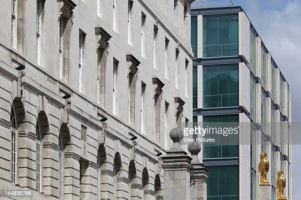 The Rose Bowl Leeds Metropolitan UniversityLeeds West Yorkshire United Kingdom Architect Sheppard Robson The Rose Bowl With Leeds Civic Hall From...