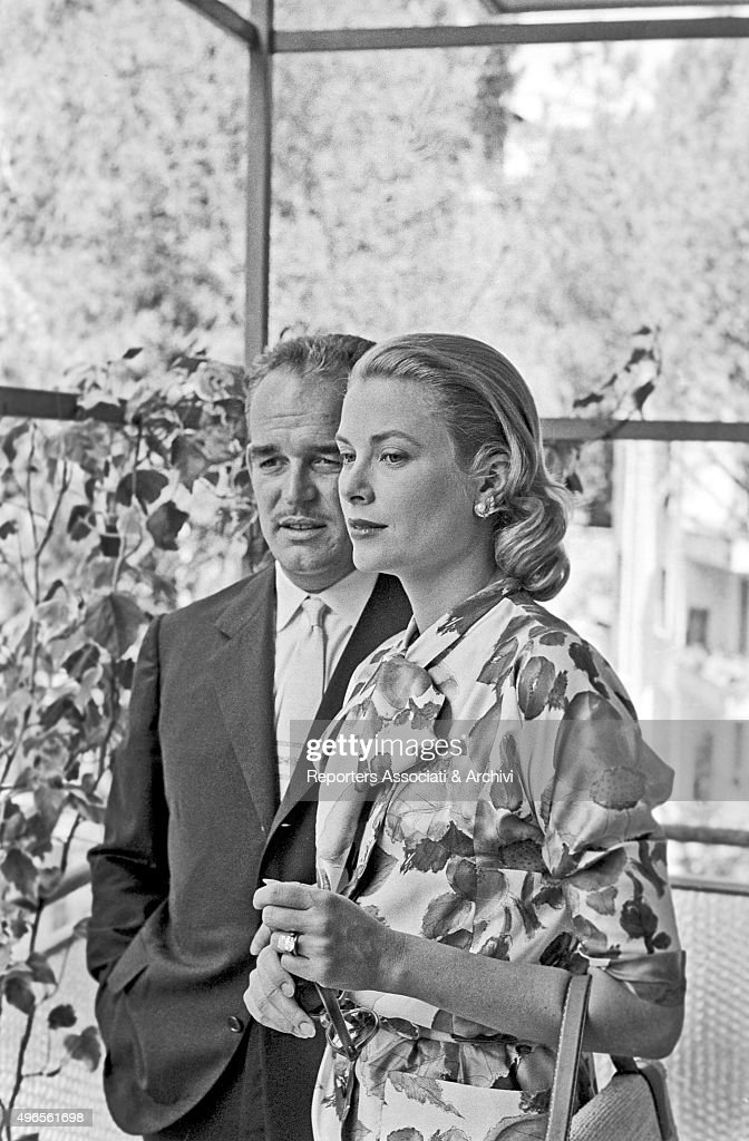The prince Rainier III visiting Rome with Grace Kelly : News Photo