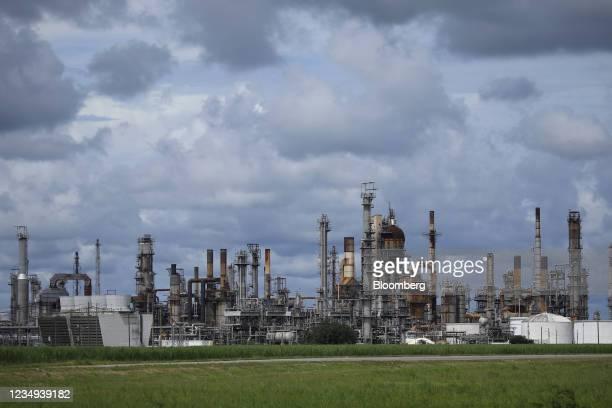 The Royal Dutch Shell Plc Convent Refinery ahead of Hurricane Ida in Convent Louisiana, U.S., on Saturday, Aug. 28, 2021. Hurricane Ida is growing in...