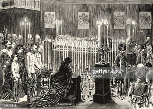The royal family in front of the layed-out dead body of archduchess Sophie in the chapel of the Hofburg. In: Ueber Land und Meer, No. 41, 1872. Newspa