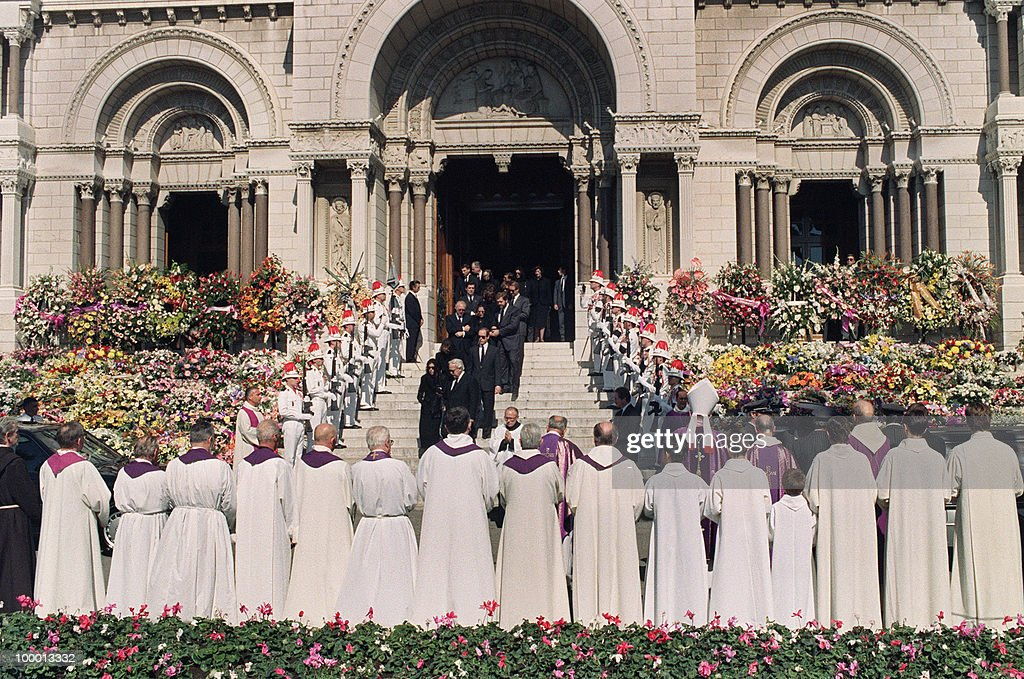 The Royal Family of Monaco leaves 06 October 1990 the Monaco cathedral after the funeral ceremony for Princess Caroline's husband Stefano Casiraghi who was killed in an offshore powerboat racing accident off the coast of Monaco 03 October 1990 while defending his World Off-shore title.