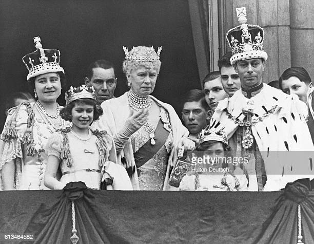 The Royal Family on the balcony at Buckingham Palace after the coronation of King George VI of England Shown are Queen Elizabeth Princess Elizabeth...