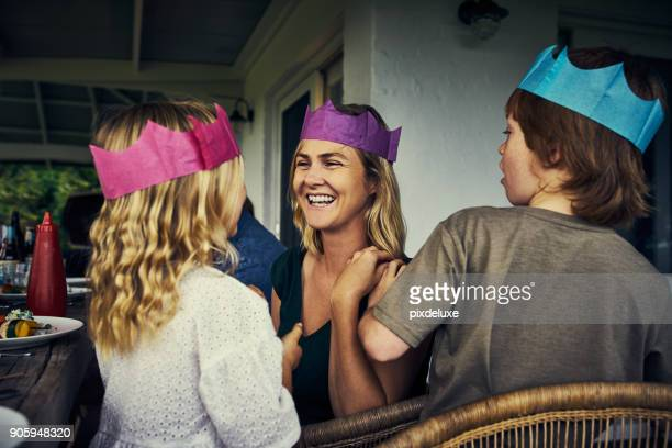 the royal family - headwear stock pictures, royalty-free photos & images