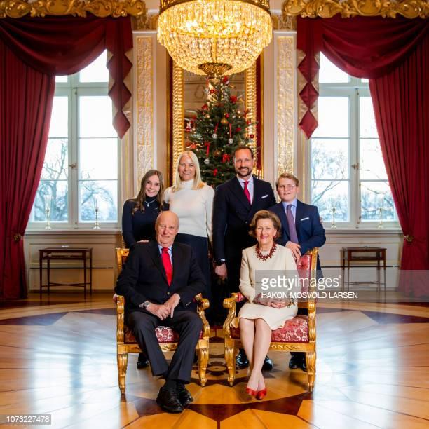 The Royal family Princess Ingrid Alexandra King Harald Crown Princess MetteMarit Crown Prince Haakon Queen Sonja and Prince Sverre Magnus pose for...