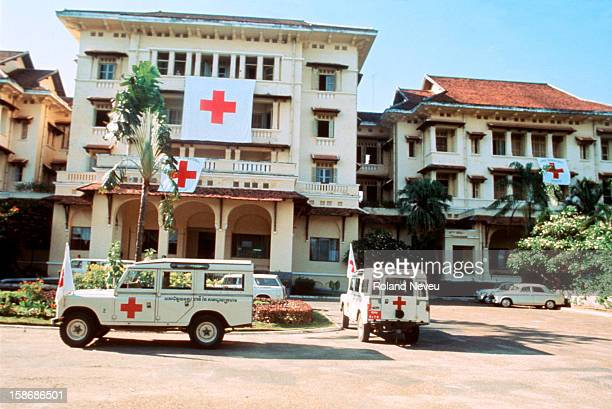 The Royal Hotel has just been made a safe heaven by the Red Cross, on the 16 of April 1975, a day before the fall of the city..