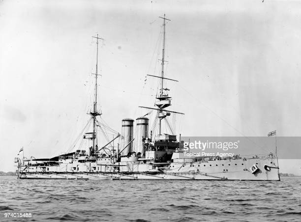 The Royal Navy Indefatigableclass battlecruiser HMS New Zealand of the 1st Battlecruiser Squadron in the English Channel circa 1913 off Devonport...
