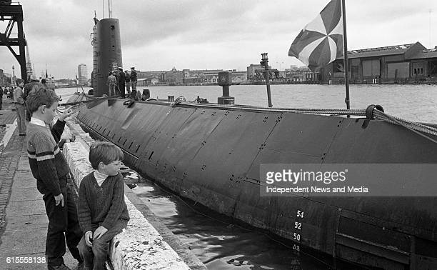 The Royal Netherlands Submarine Tonsjin docked at John Rogerson's Quay Dublin with Petty Officer Jan Steenvoorden answering questions of the onlookers