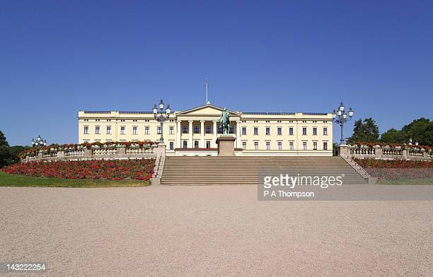 the royal palace, oslo, norway - royal palace oslo stock pictures, royalty-free photos & images