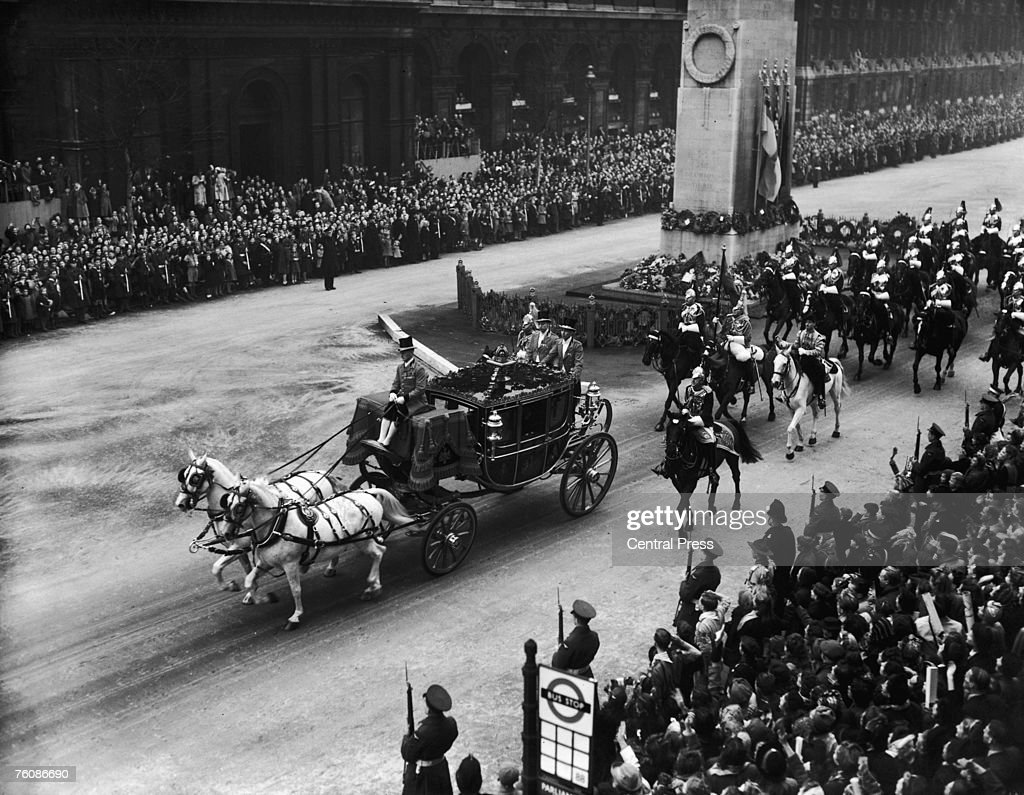 The Royal Wedding procession of Princess Elizabeth (later Queen Elizabeth II) and her husband the Duke of Edinburgh, passes down Whitehall, 20th November 1947.