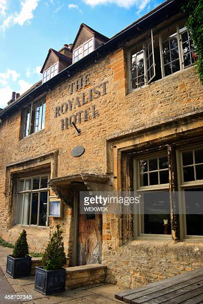 the royalist hotel, cotswolds, england - stow on the wold stock pictures, royalty-free photos & images