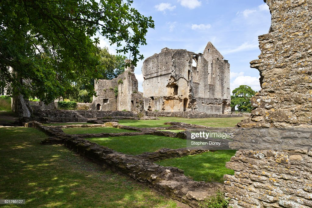 The ruins of Minster Lovell Hall, Oxfordshire : Stock Photo