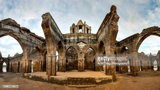 the ruins of shettihalli rosary church - karnataka stock pictures, royalty-free photos & images