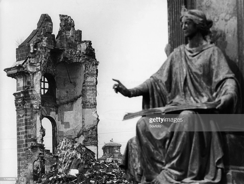 The ruins of the frauenkirche in dresden, germany after the relentless bombing in 1945 during world war 2. : News Photo