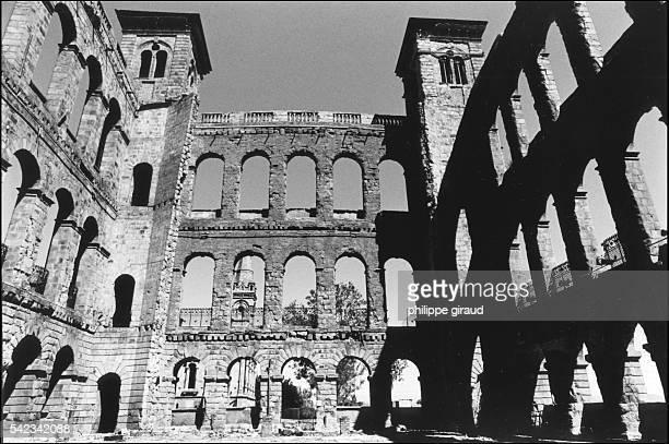 The ruins of the Palais de la Reine