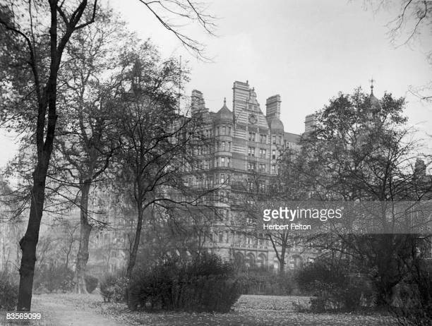The Russell Hotel in London's Russell Square circa 1930