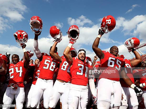 The Rutgers Scarlet Knights celebrate the win over New Mexico Lobos at High Point Solutions Stadium on September 17, 2016 in Piscataway, New...