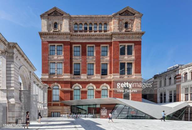 The Sackler Courtyard at the Victoria and Albert Museum. Sackler Courtyard at the V&A Museum, Kensington, United Kingdom. Architect: Amanda Levete,...
