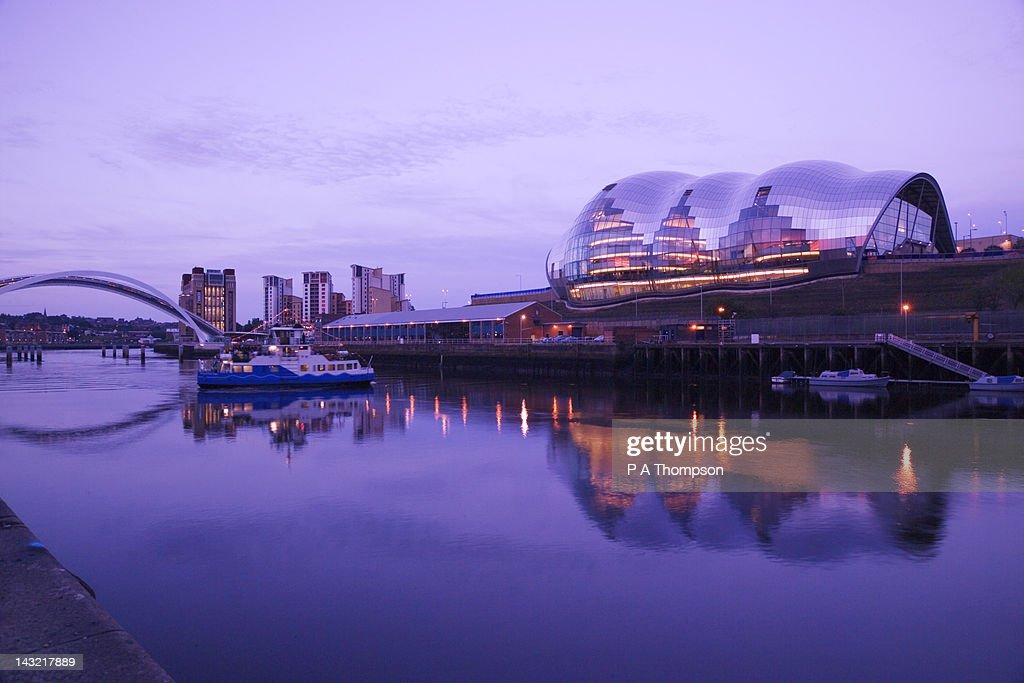 The Sage and Gateshead Millenium Bridge, Newcastle on Tyne, Tyne and Wear, England : Stock Photo