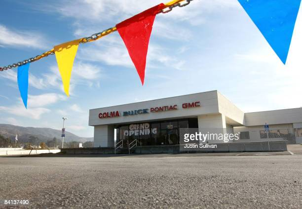 The sales lot is seen empty at the recently closed Colma Buick GMC dealership December 29 2008 in Colma California General Motors and Chrysler are...
