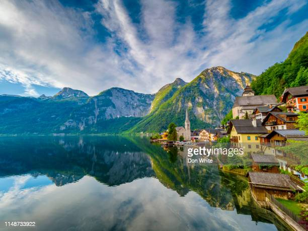 the salzkammergut scenic lake district in austria - hallstatter see stock pictures, royalty-free photos & images