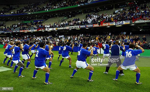 The Samoan team perform the haka for fans after the Rugby World Cup Pool C match between England and Samoa at Telstra Dome October 26 2003 in...