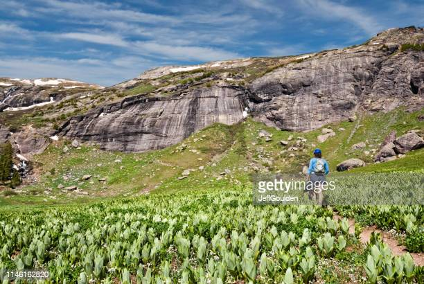 hiking to upper ice lakes basin - jeff goulden stock pictures, royalty-free photos & images