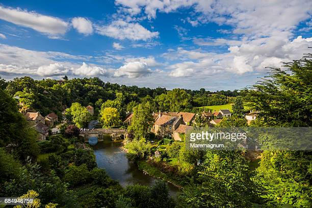 the sarthe river and the village - sarthe stock pictures, royalty-free photos & images