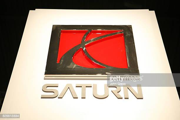The Saturn logo at the Chicago Auto Show